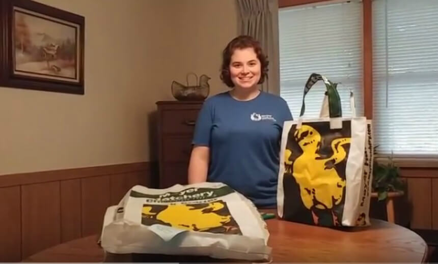 Turn Feed Bags into Reusable Shopping Bags